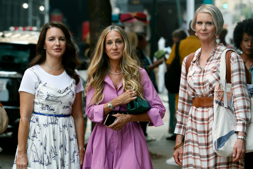 Online Shop Trend Now And-Just-Like-That-Fashion-Sarah-Jessica-Parker-Carrie-Bradshaw-Sex-and-the-City-RebootMEGA772923_011 All the Fashion From 'And Just Like That' – Footwear News