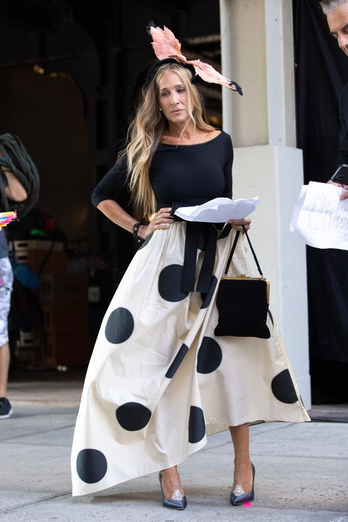 Online Shop Trend Now And-Just-Like-That-Fashion-Sarah-Jessica-Parker-Carrie-Bradshaw-Sex-and-the-City-RebootMEGA775882_004 All the Fashion From 'And Just Like That' – Footwear News