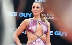 Blake Lively attends the premiere of