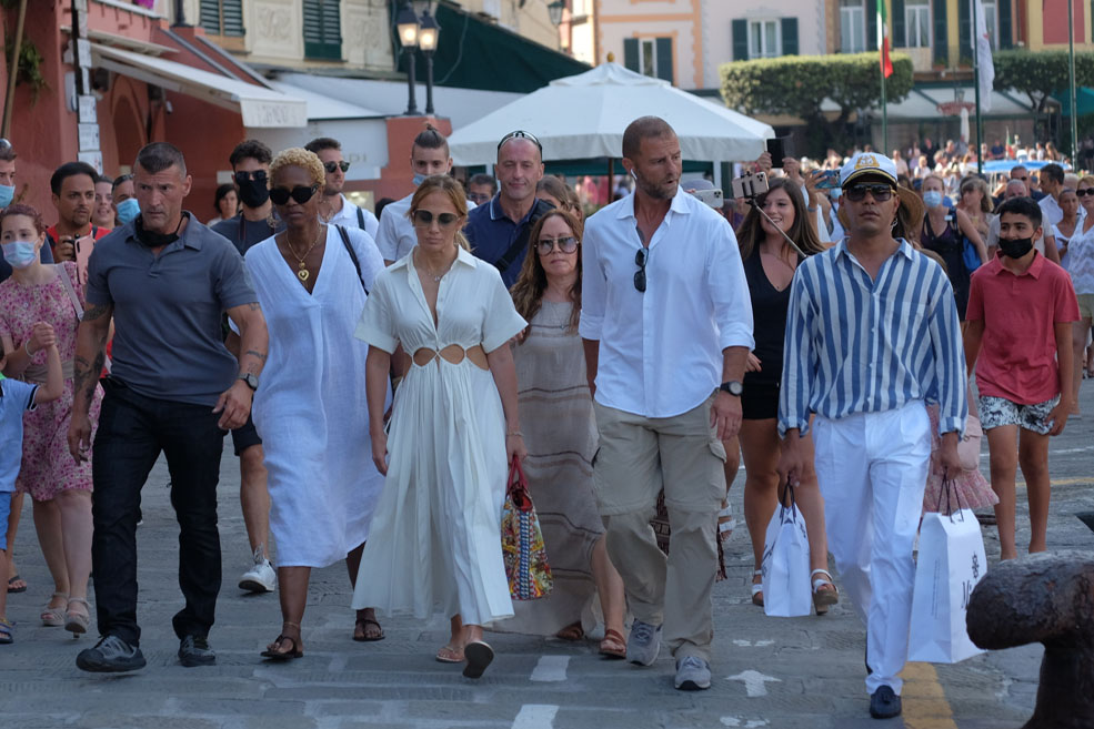 Jennifer Lopez, Cult Gaia, Havaianas, flip flops, cutout dress, Italy