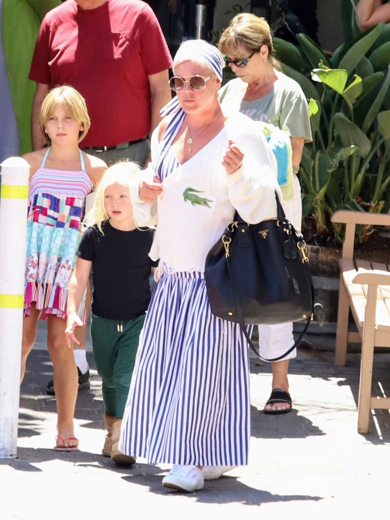 Pink seen having lunch with her parents in Malibu after offering to pay fines for Olympic Norwegian women's handball team. 03 Aug 2021 Pictured: Pink Alecia Moore. Photo credit: APEX / MEGA TheMegaAgency.com +1 888 505 6342 (Mega Agency TagID: MEGA776155_001.jpg) [Photo via Mega Agency]