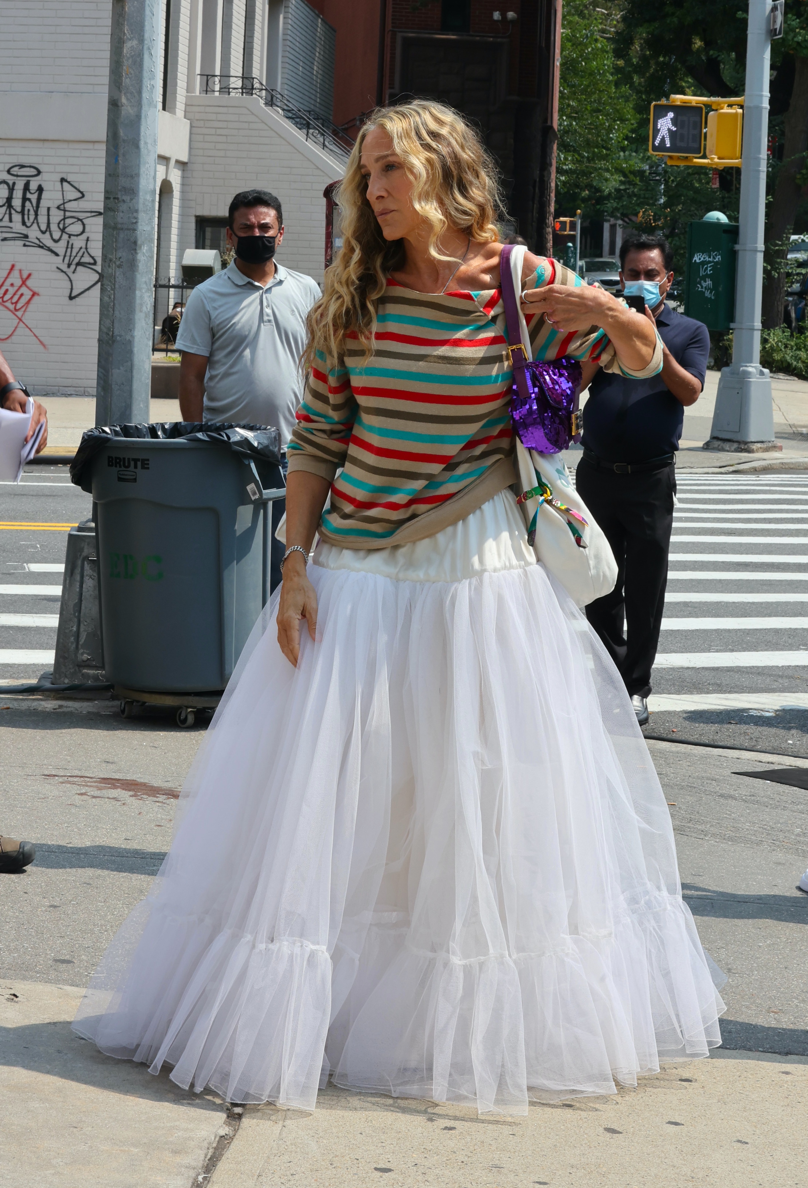 Sarah Jessica Parker pictured wearing a white tutu as she films a scene on the 'And Just Like That' set in Brooklyn.Pictured: Sarah Jessica Parker Ref: SPL5249224 270821 NON-EXCLUSIVE Picture by: Jose Perez / SplashNews.com Splash News and Pictures USA: +1 310-525-5808 London: +44 (0)20 8126 1009 Berlin: +49 175 3764 166 photodesk@splashnews.com World Rights