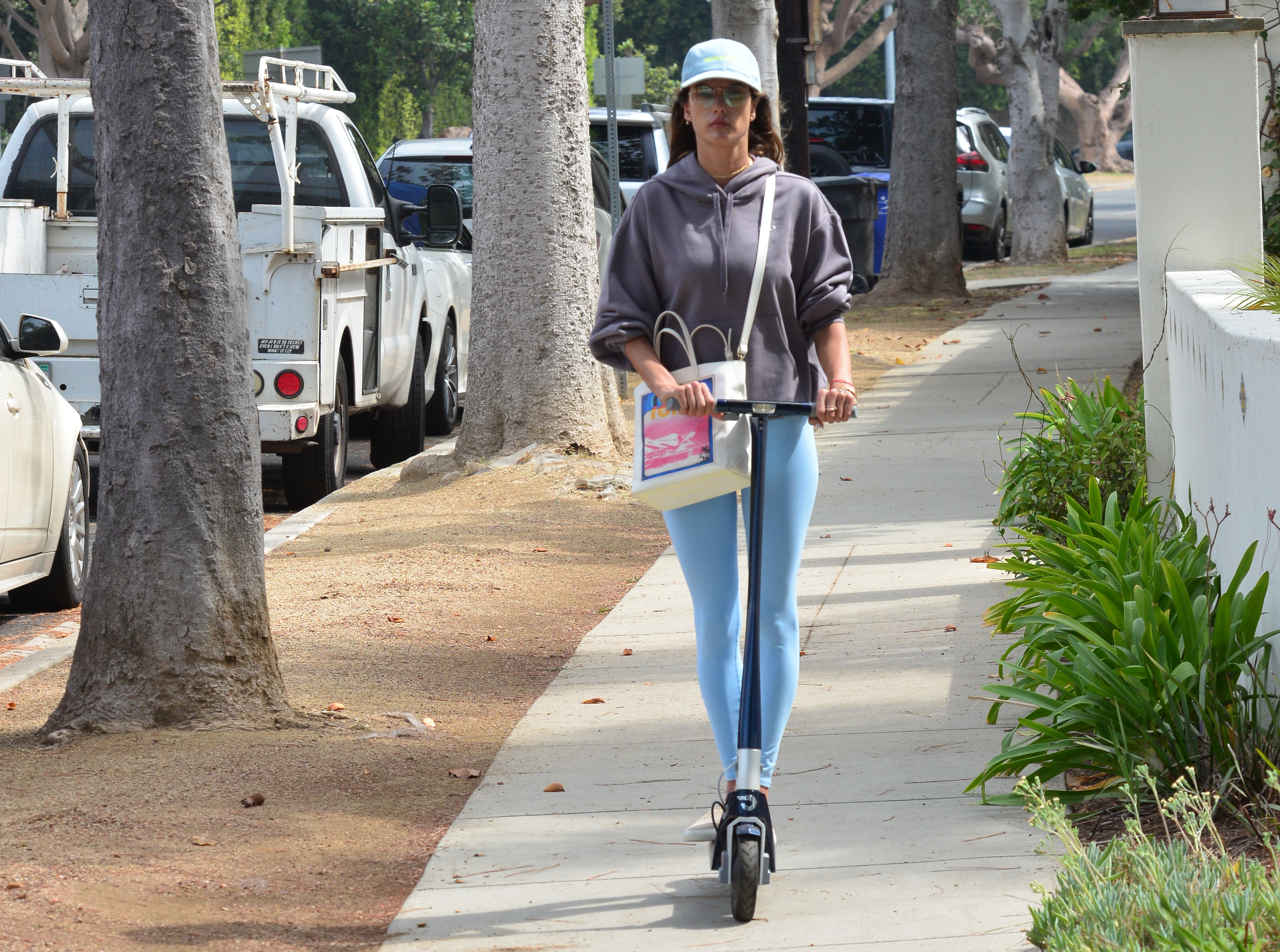 Alessandra Ambrosio spotted on a scooter in Brentwood, CaPictured: Alessandra Ambrosio Ref: SPL5250286 310821 NON-EXCLUSIVE Picture by: London Entertainment / SplashNews.com Splash News and Pictures USA: +1 310-525-5808 London: +44 (0)20 8126 1009 Berlin: +49 175 3764 166 photodesk@splashnews.com World Rights