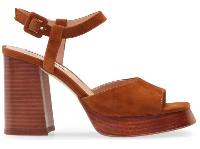 Steve Madden inclusive, platform sandals