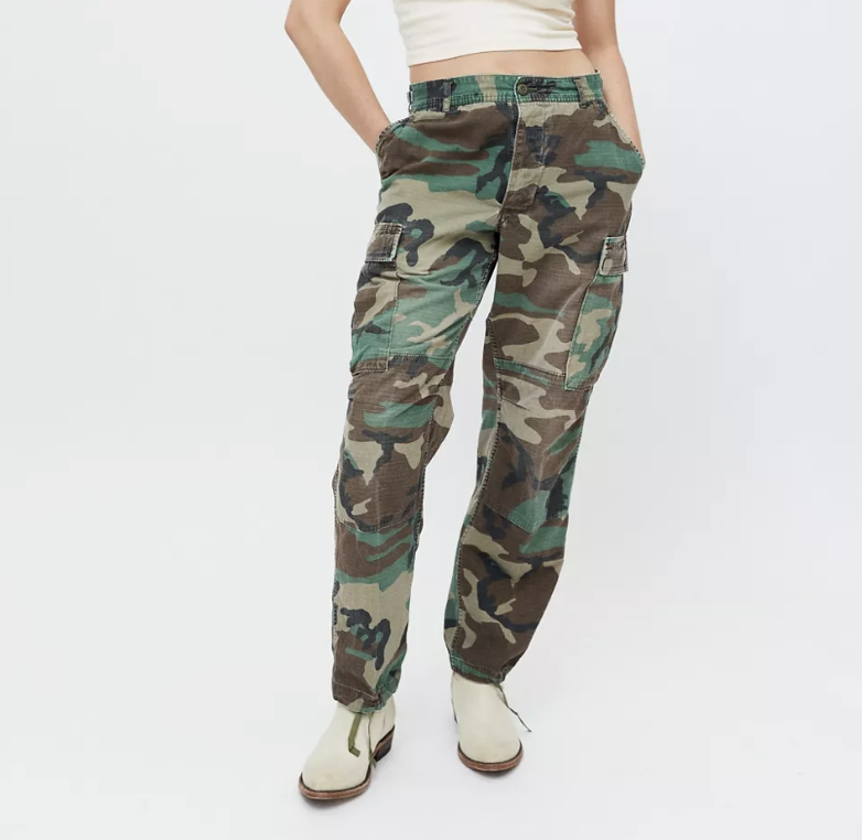 camo pants, urban outfitters