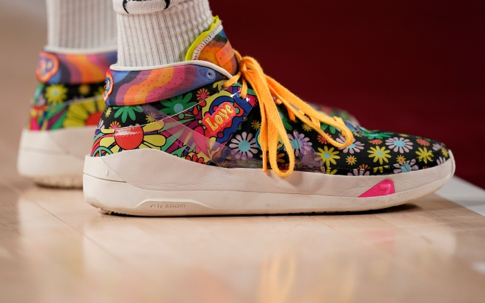 Shoes of Nigeria's Ekpe Udoh (8)