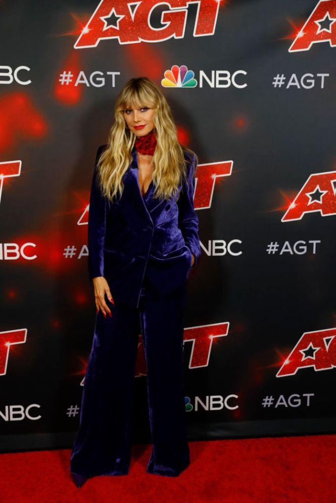 heidi klum, suit, velvet suit, blue, rose necklace, choker, heels, hair, americas got talent, la