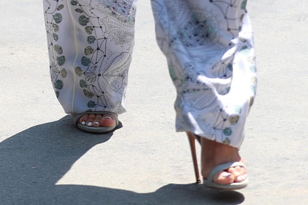 jennifer lopez, bralette, bandeau, printed shirt, flowing pants, sunglasses, hoops, heels, stilettos, los angeles, daughter emme, day of indulgence