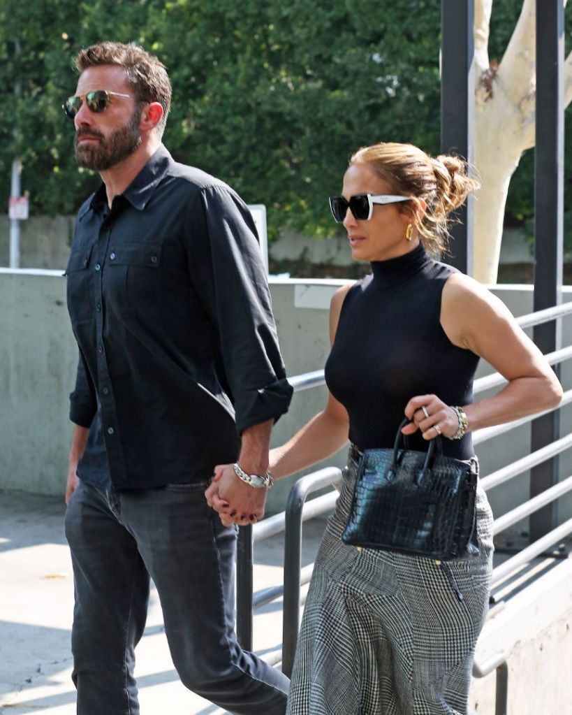 jennifer lopez, skirt, tank top, heels, mesh heels, ben affleck, date, shopping, la, sunglasses, purse