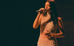 lorde, late late show, dress