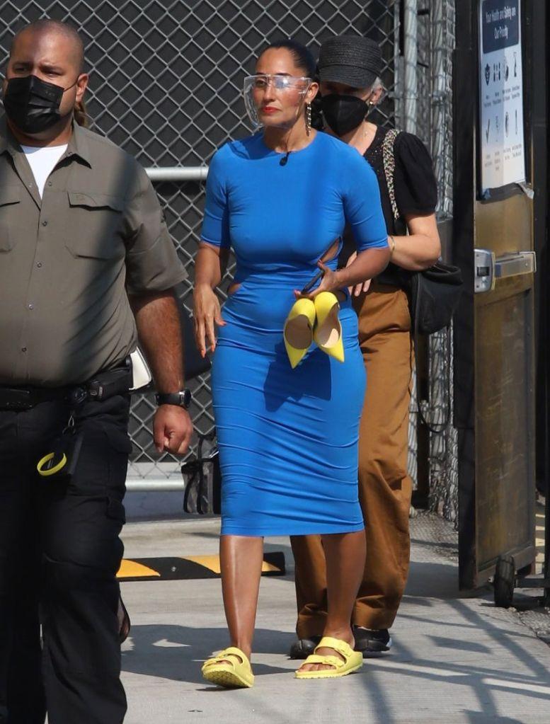 tracee ellis ross, blue dress, cutout dress, yellow sandals, ugly sandals, yellow heels, jimmy kimmel, la