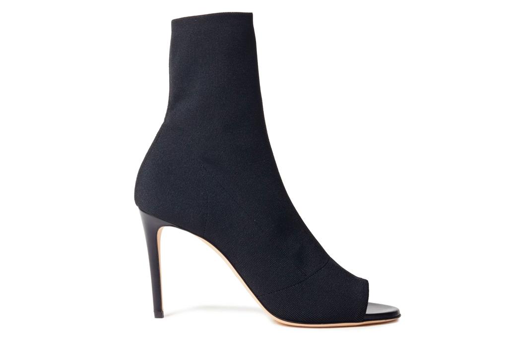 black heels, boots, peep toe, thong toe