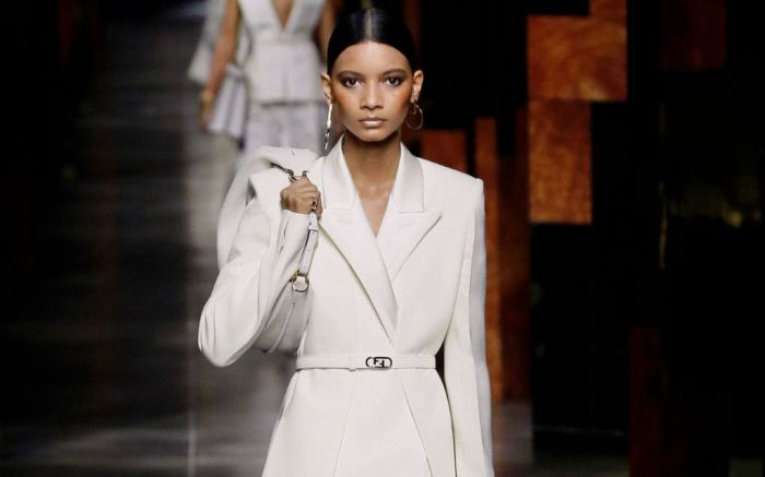 fendi, fendi spring 2022, fendi fashion, fendi shoes, mfw, milan fashion week, runway, spring 2022
