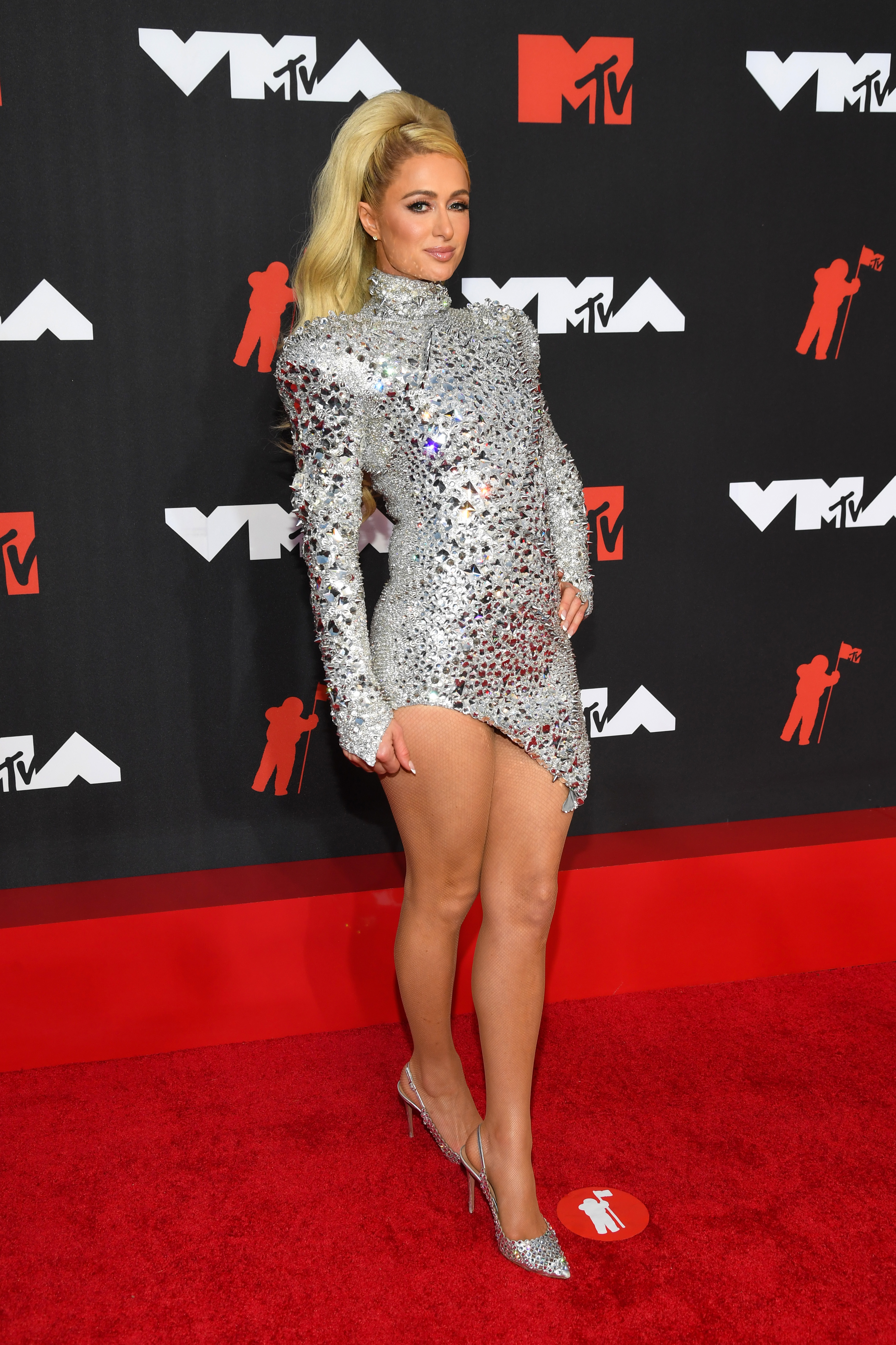 NEW YORK, NEW YORK - SEPTEMBER 12: Paris Hilton attends the 2021 MTV Video Music Awards at Barclays Center on September 12, 2021 in the Brooklyn borough of New York City. (Photo by Kevin Mazur/MTV VMAs 2021/Getty Images for MTV/ ViacomCBS)