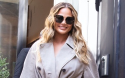 Chrissy Teigen, trench coat, slouchy boots,