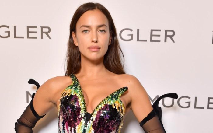 Irina-Shayk-mugler-paris-fashion-week-feature