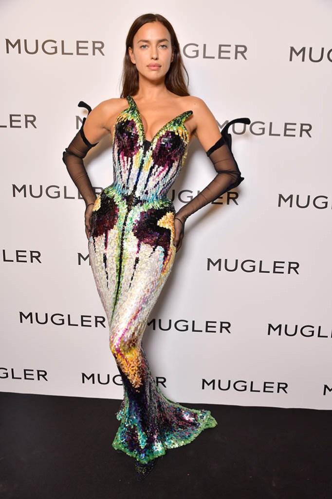 irina shayk, mugler exhibit, paris fashion week 2021, Thierry Mugler Couturissime