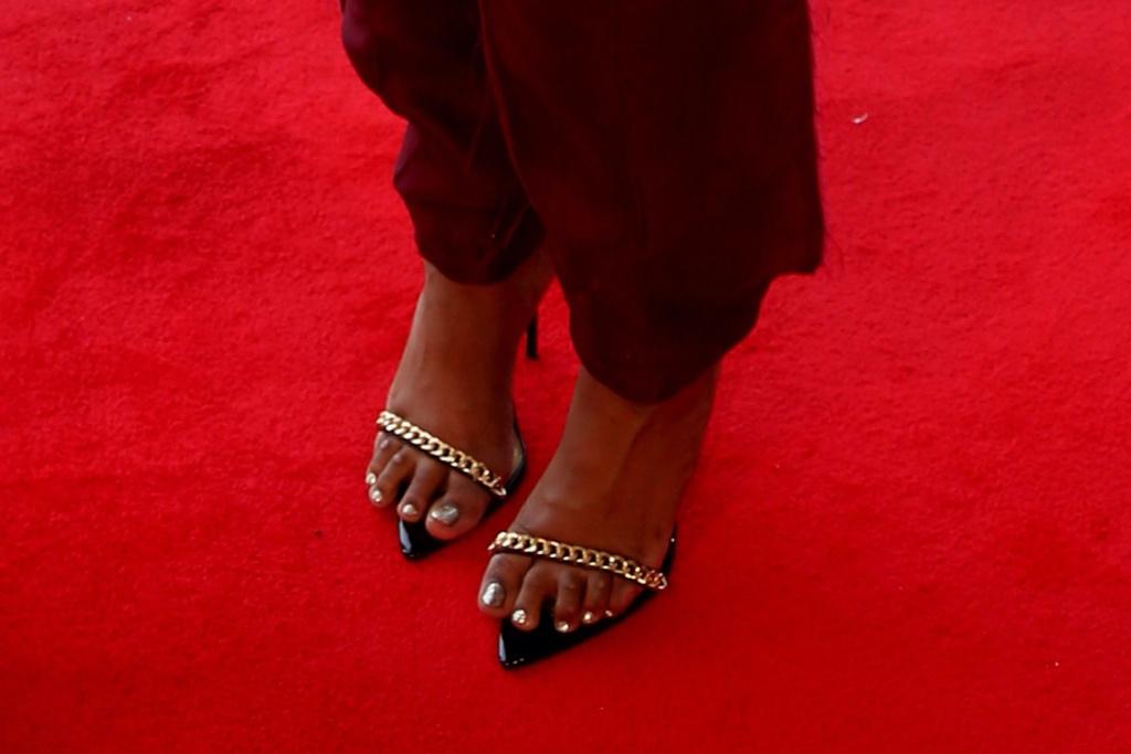 Jennifer Hudson, suit, chain strap sandals