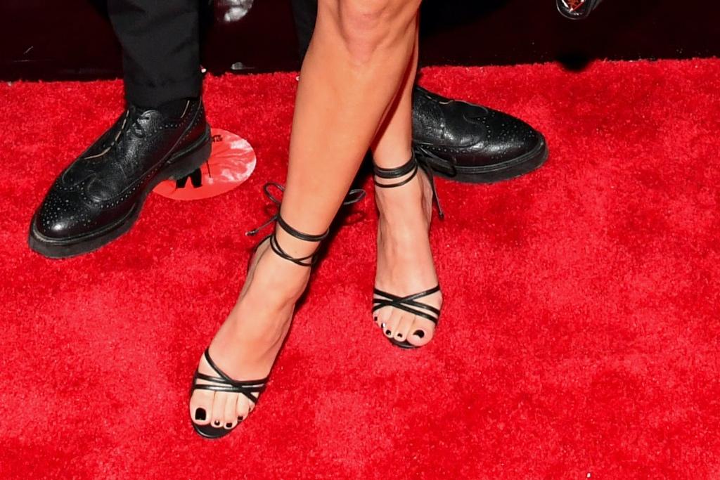 Kourtney Kardashian, Travis Barker, Manolo Blahnik, ankle-wrap sandals, MTV, VMA's