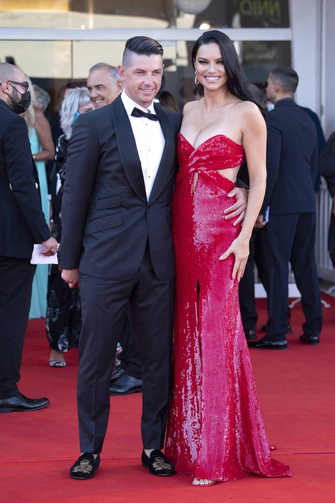"""""""Madres Paralelas"""" Red Carpet And Opening Ceremony - The 78th Venice International Film Festival. 28 Aug 2021 Pictured: Andre Lemmers and Adriana Lima. Photo credit: Paolo Cotello/imageSPACE / MEGA TheMegaAgency.com +1 888 505 6342 (Mega Agency TagID: MEGA783052_053.jpg) [Photo via Mega Agency]"""