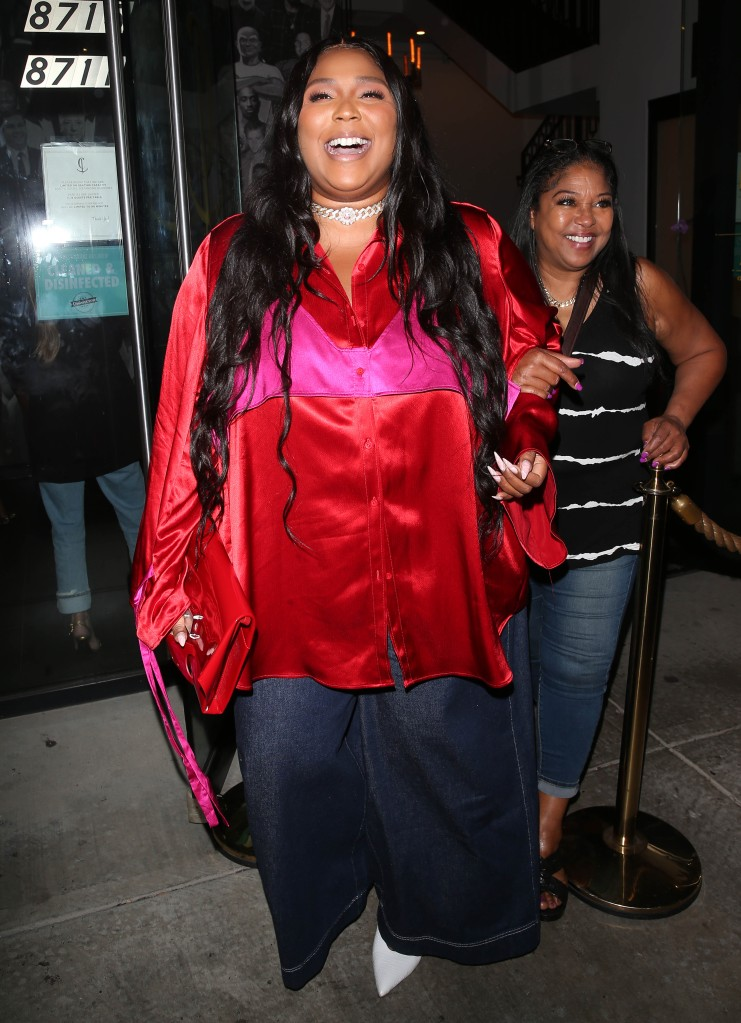 Lizzo was all smiles as she was seen leaving dinner at Catch Restaurant in West Hollywood, CA. 03 Sep 2021 Pictured: Lizzo. Photo credit: MEGA TheMegaAgency.com +1 888 505 6342 (Mega Agency TagID: MEGA783751_002.jpg) [Photo via Mega Agency]