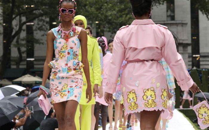 nyfw, new york fashion week, nyfw, moschino nyfw, moschino spring 2022