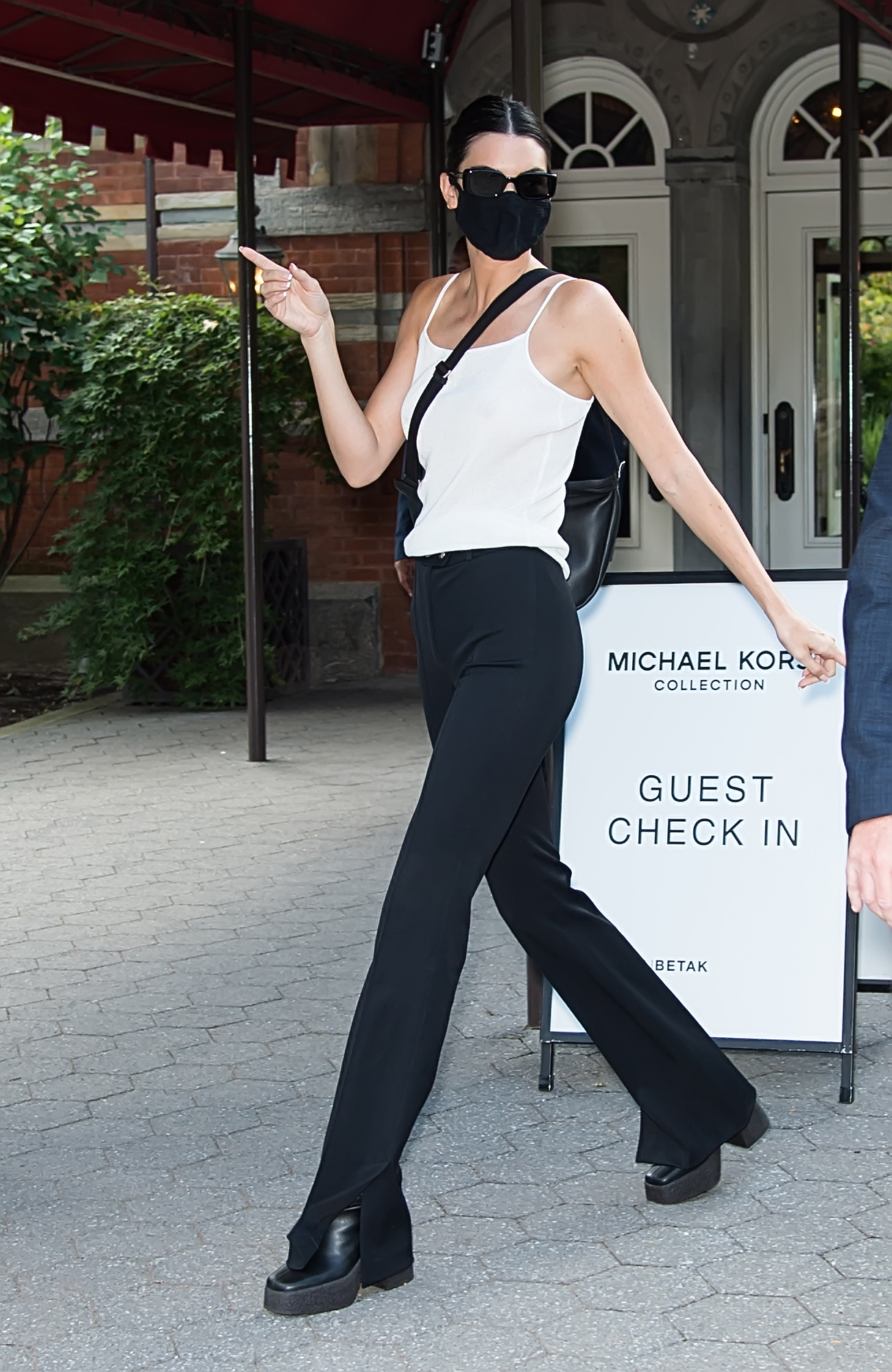 Kendall Jenner is seen leaving Michael Kors Spring/Summer 2022 during New York Fashion Week in New York CityPictured: Kendall Jenner Ref: SPL5254105 100921 NON-EXCLUSIVE Picture by: Ouzounova / SplashNews.com Splash News and Pictures USA: +1 310-525-5808 London: +44 (0)20 8126 1009 Berlin: +49 175 3764 166 photodesk@splashnews.com World Rights