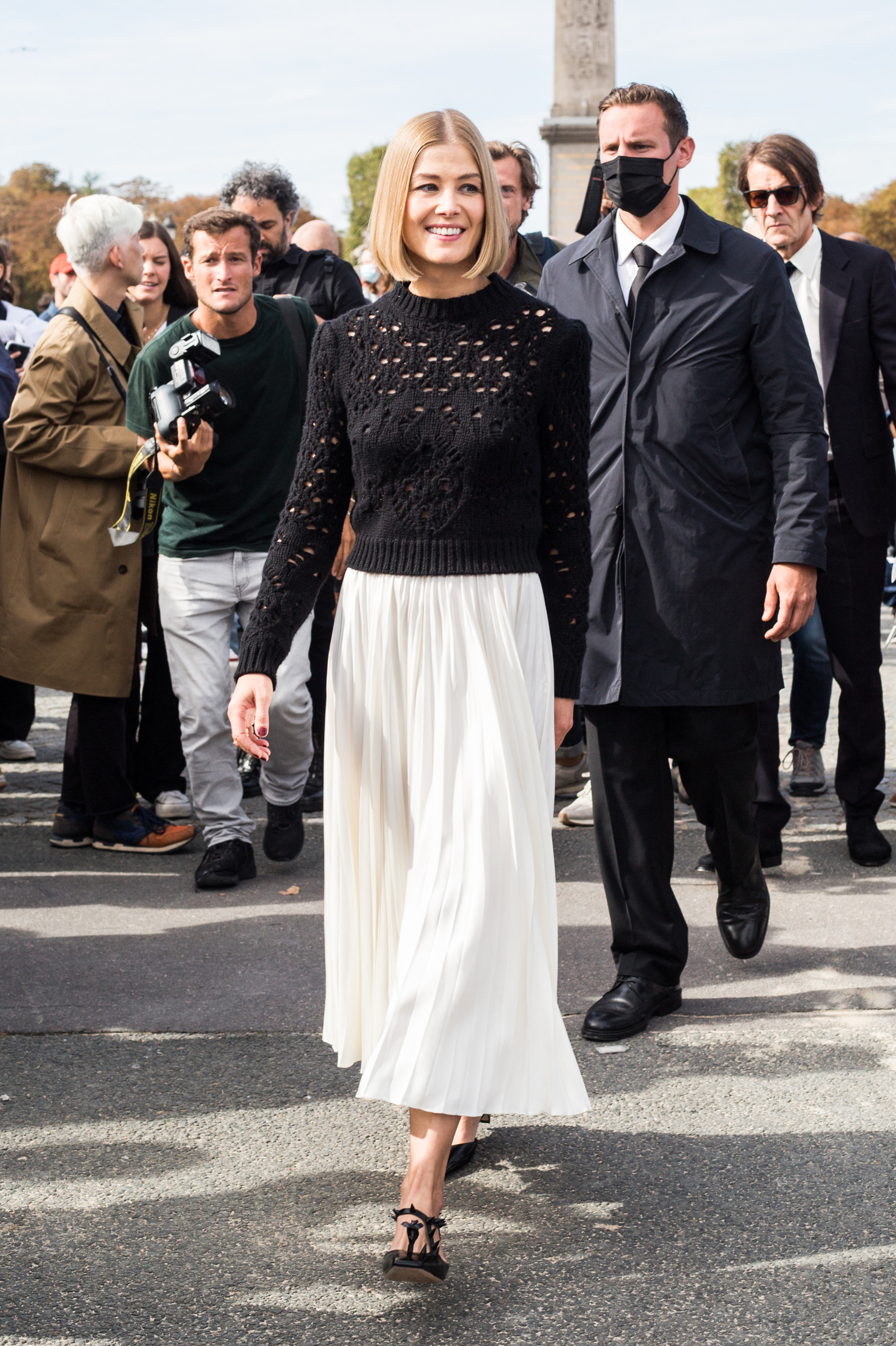Rosamund Pike arriving at Dior fashion show during Paris Fashion Week on September 28, 2021 in Paris, France. Photo by Nasser Berzane/ABACAPRESS.COMPictured: Rosamund Pike Ref: SPL5261317 280921 NON-EXCLUSIVE Picture by: Nasser Berzane/AbacaPress / SplashNews.com Splash News and Pictures USA: +1 310-525-5808 London: +44 (0)20 8126 1009 Berlin: +49 175 3764 166 photodesk@splashnews.com United Arab Emirates Rights, Australia Rights, Bahrain Rights, Canada Rights, Greece Rights, India Rights, Israel Rights, South Korea Rights, New Zealand Rights, Qatar Rights, Saudi Arabia Rights, Singapore Rights, Thailand Rights, Taiwan Rights, United Kingdom Rights, United States of America Rights