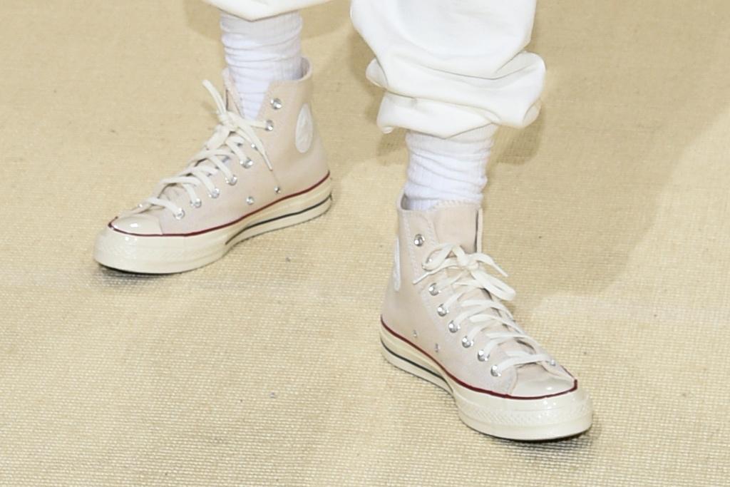 Timothée Chalamet, Converse, Converse Chuck Taylors, sneakers, white sneakers