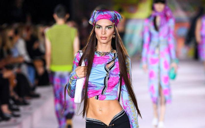 Versace_SS22_Fashion-Show-32