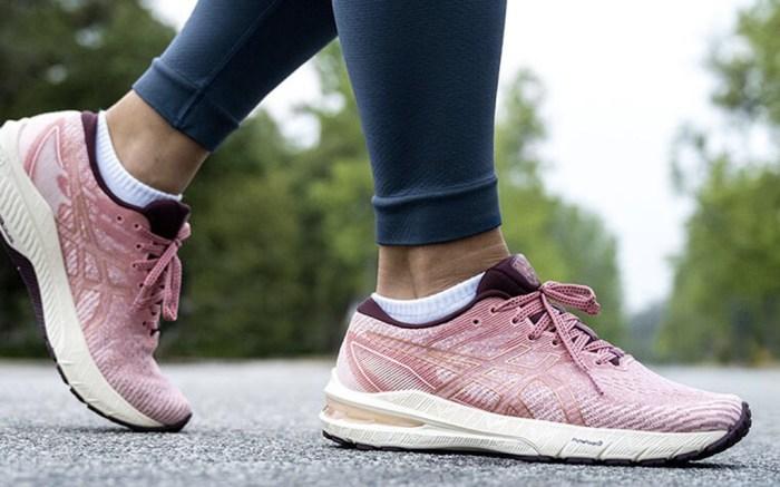 best asics running shoes
