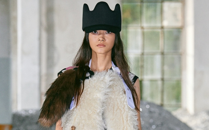 burberry, womenswear, milan fashion week, spring 2022, runway show