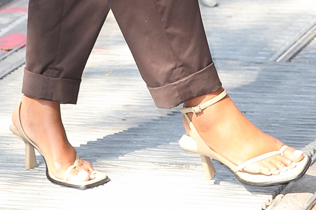 gabrielle union, sweater, cardigan, pants, brown trousers, big toe sandals, heels, the view, new york