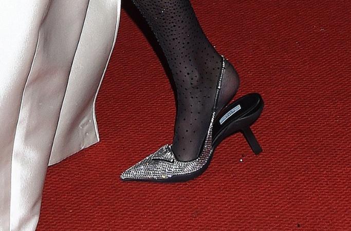 Gigi Hadid, Prada, shoe, Met Gala