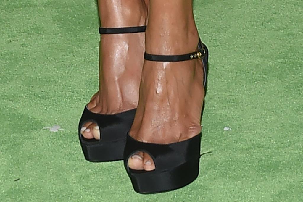 halle berry, lace dress, minidress, heels, platforms, date, gala, la, husband