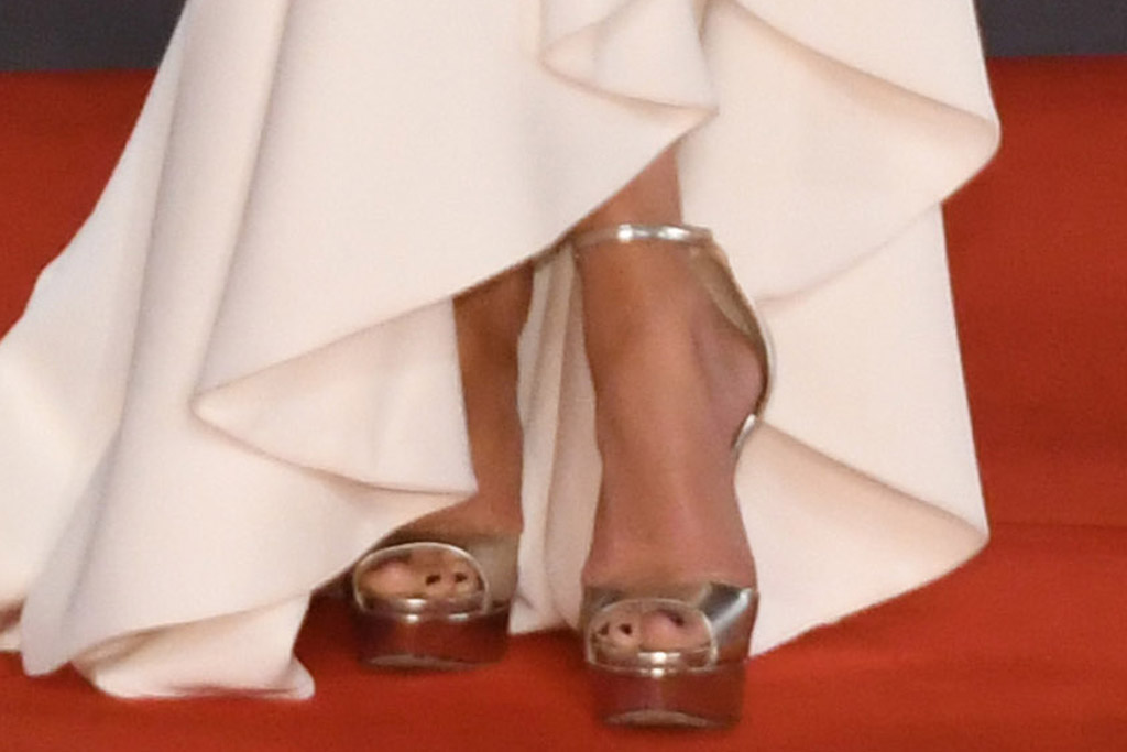 jennifer lopez, plunging dress, gown, gold heels, jimmy choo, ben affleck, tuxedo, venice film festival, red carpet, georges hobeika