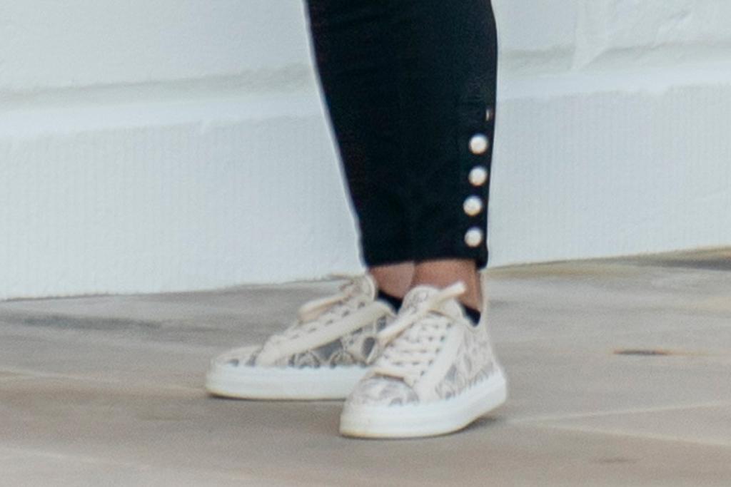 jill biden, sneakers, jeans, jacket, chloe, white house, camp david