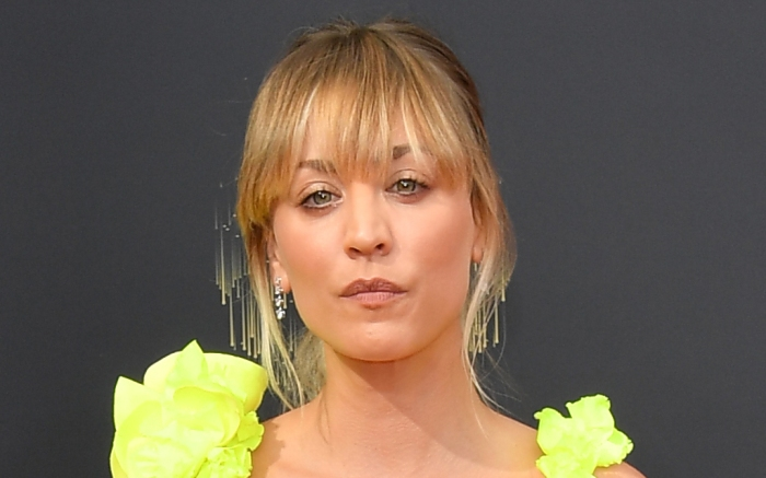 kaley-cuoco-yellow-gown-heels-emmys