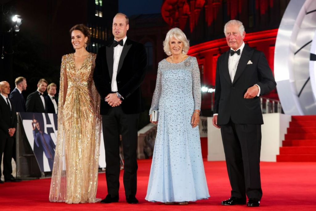 kate middleton, gold gown, gown, earrings, dress, james bond, movie, premiere, red carpet, no time to die, london