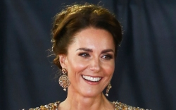 kate middleton, gold gown, gown, earrings,