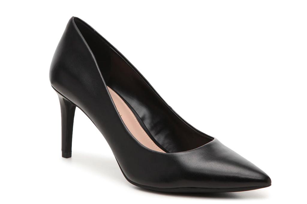 black pumps, pointed-toe heels, kelly and katie