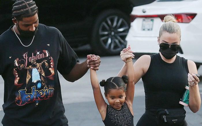 khloe kardashian, tank top, leggings, sneakers, off-white x nike, true thompson, tristan thompson, daughter, la