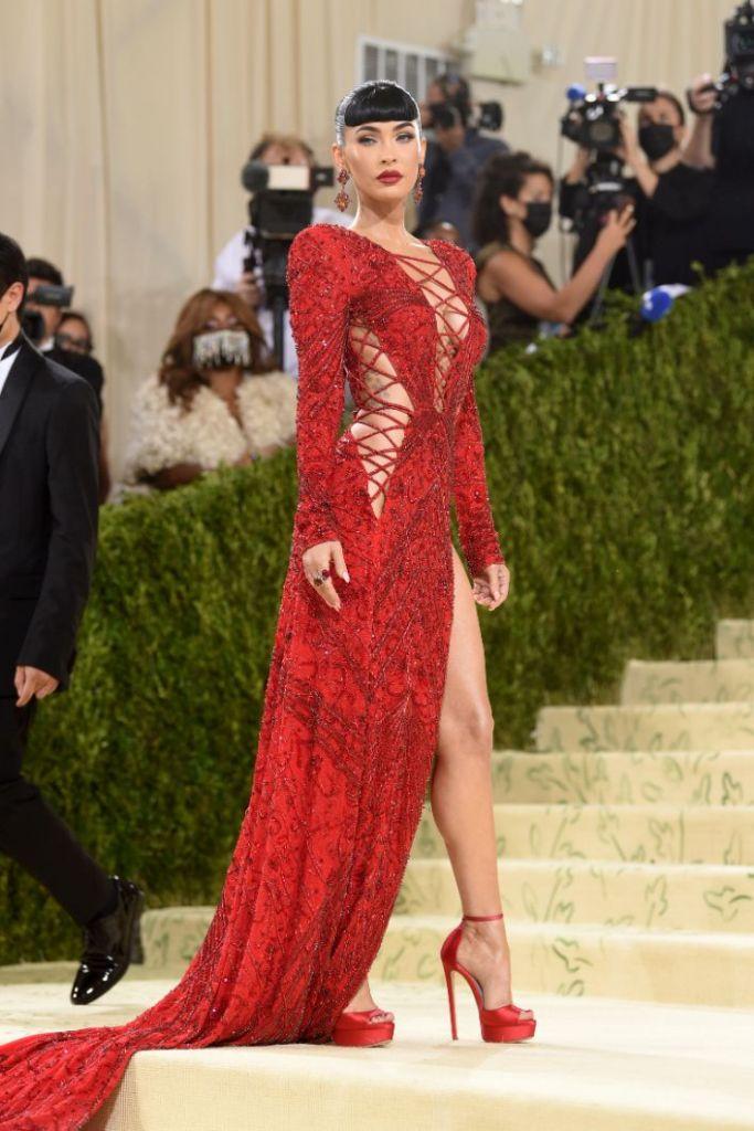 megan fox, red dress, gown, heels, jimmy choo, dundas, met gala