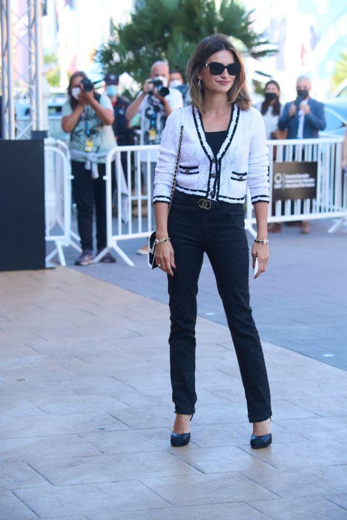 penelope cruz, jeans, pants, heels, spain, film festival