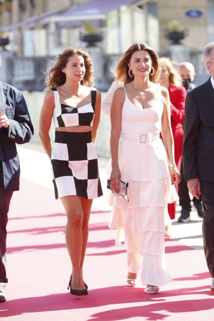 penelope cruz, white dress, gown, spaghetti strap dress, heels, silver sandals, san sebastian, spain, film festival, official competition