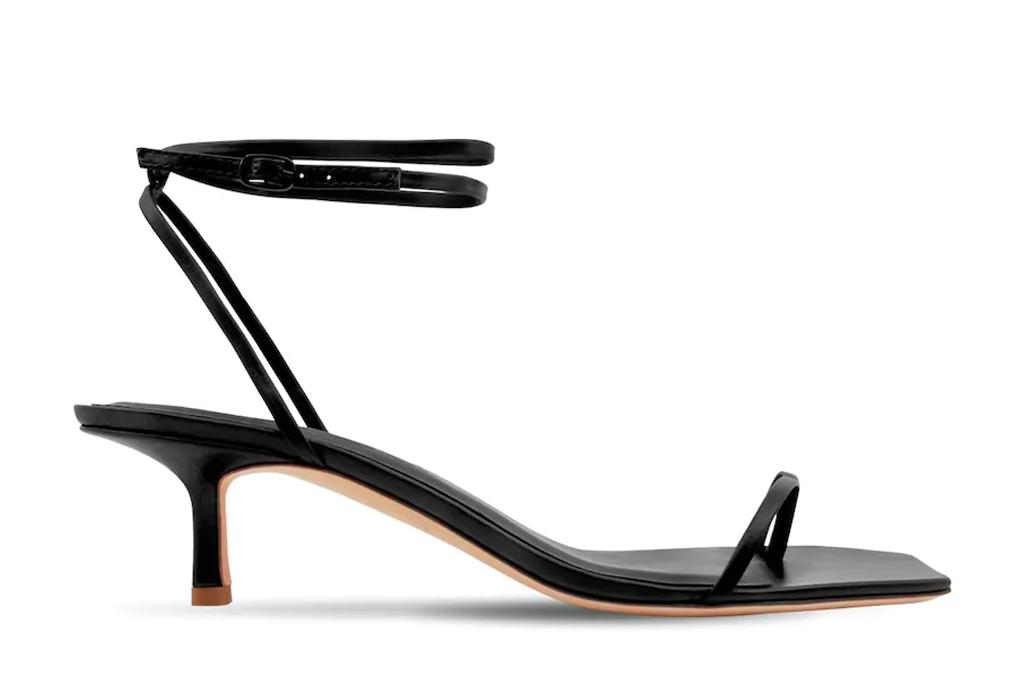 black sandals, thong, heels, studio amelia