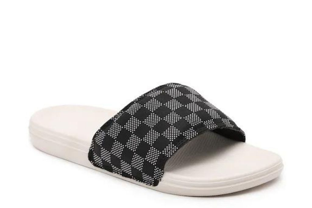 Vans checkerboard slides