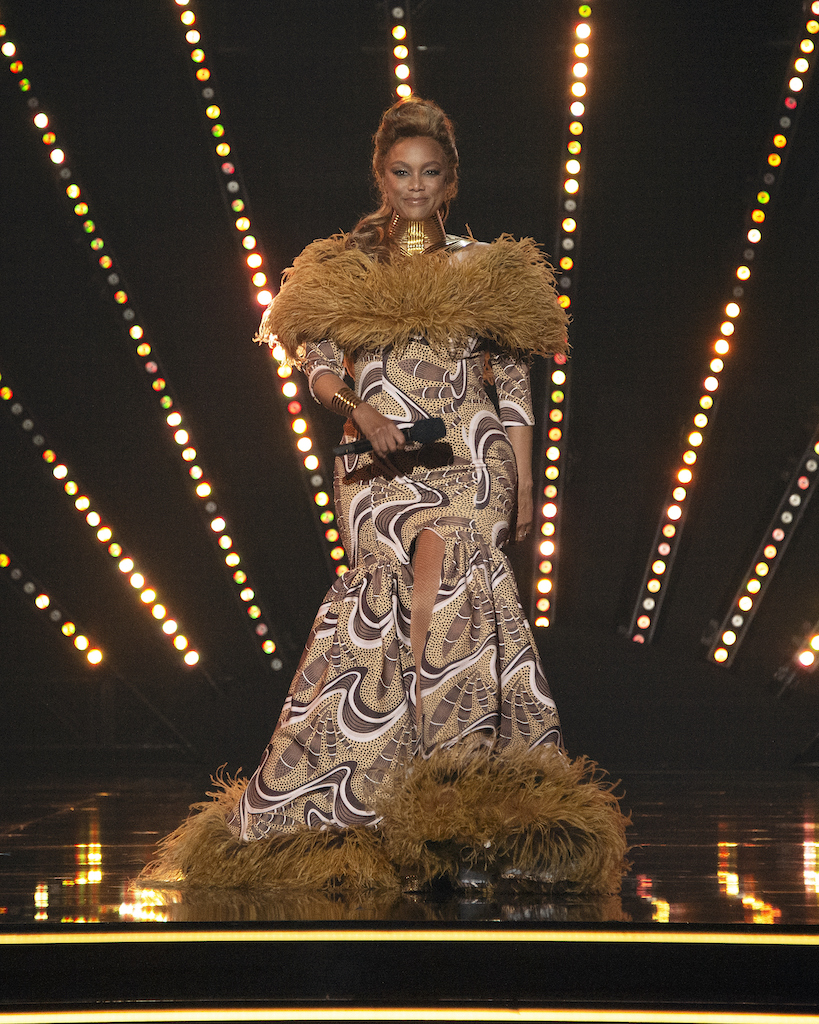 Tyra Banks' outfit during last night's episode of Dancing With The Stars.