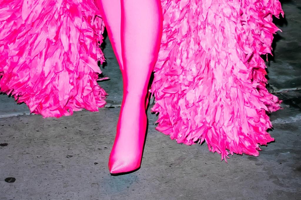 Kim Kardashian, Saturday Night Live, Balenciaga, pointed heels, stiletto heels, catsuit, feather coat
