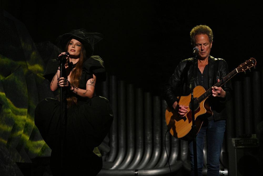 Halsey, Saturday Night Live, Kim Kardashian, black dress, top hat, gloves